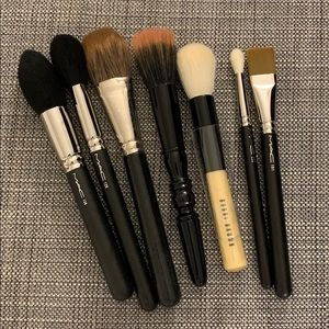 MIXED SET OF MAKE UP BRUSHES, ALL NWOT